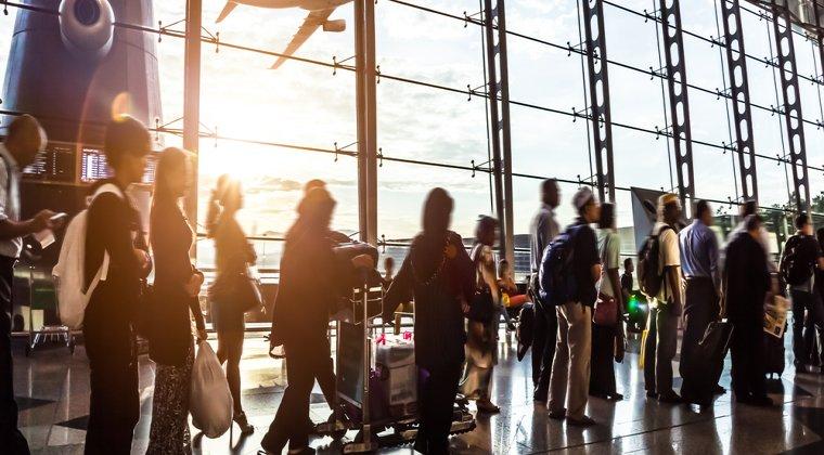 Aeroportul Otopeni a suplimentat numarul de ghisee pe fluxul de plecari, pentru evitarea cozilor la orele de varf
