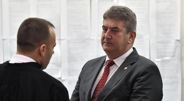 Comisia juridica din Senat a dat raport favorabil urmaririi penale a lui Gabriel Oprea pentru ucidere din culpa