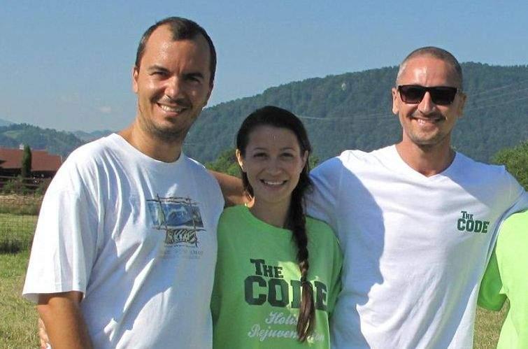 Cum fac trei romani 200.000 euro: ajuta antreprenorii si angajatii sa isi detoxifice corpul si mintea