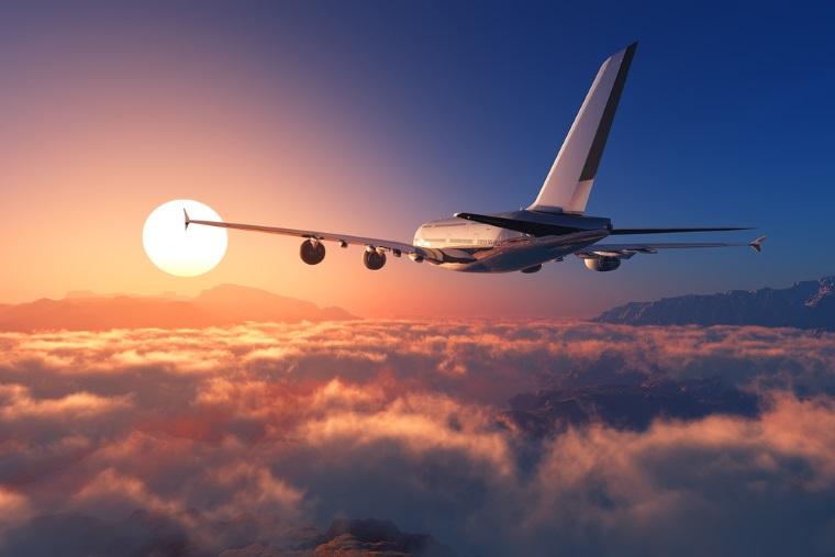 Blue Air introduce al treilea zbor zilnic pe ruta Iasi-Bucuresti