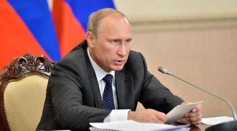 Vladimir Putin sustine ca exista incercari de manipulare a opiniei publice inainte de alegerile legislative