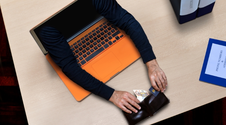 Pentru 300 de persoane acuzate de infractiuni informatice, cercetate in primele opt luni ale anului