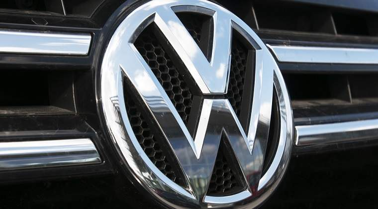 "Ce s-a schimbat dupa ,,scandalul Volkswagen"": consumatorii nu primesc compensatii in Europa, reparatiile merg greu, iar Volkswagen e din nou lider mondial"