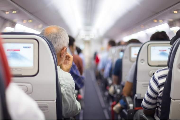 Blue Air introduce zboruri catre Bordeaux si Copenhaga, cu preturi de la 130 lei