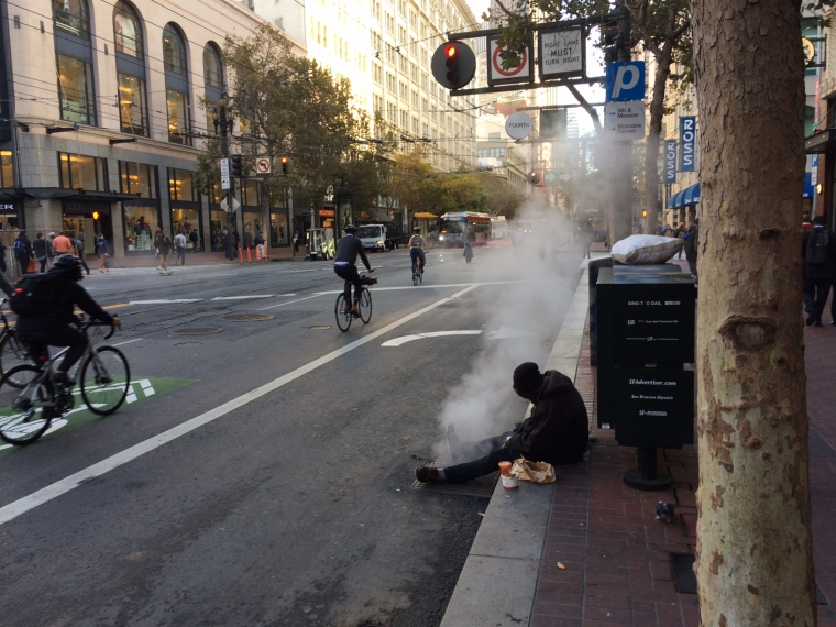 San Francisco, vazut din taxi: Cersetori si mizerie, contrast cu case ingrijite si oameni zambitori