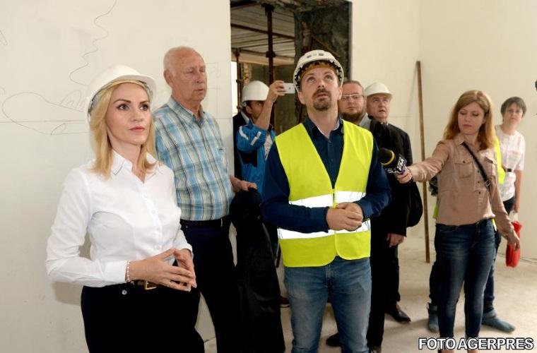 Gabriela Firea: Fac apel la proprietarii cladirilor cu risc seismic clasa I pericol public sa accepte locuintele Primariei