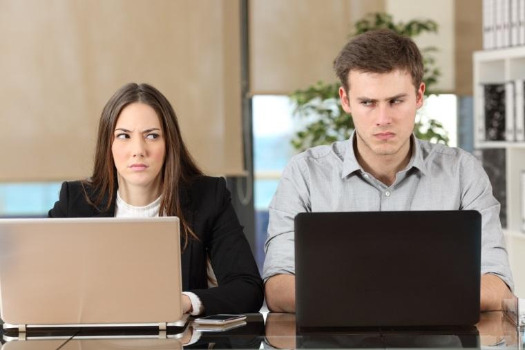 Oamenii toxici de la locul de munca. Cine este victima si cine e calaul?