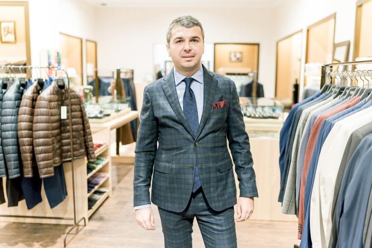 Dupa trei branduri internationale, isi lanseaza propria afacere cu costume barbatesti. Ce planuri are London Tailors