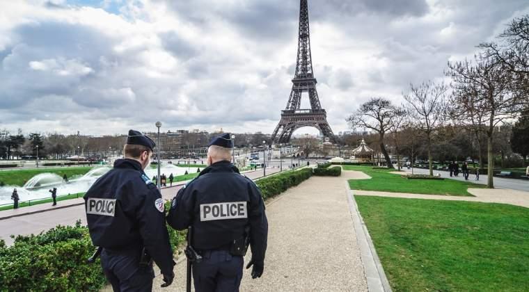 Franta a lansat primele raiduri aeriene impotriva organizatiei teroriste Statul Islamic de pe port-avionul Charles de Gaulle