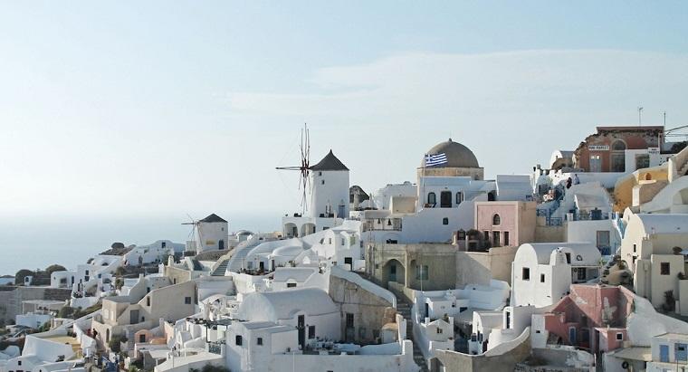 Economia Greciei, asteptata sa revina pe crestere anul viitor