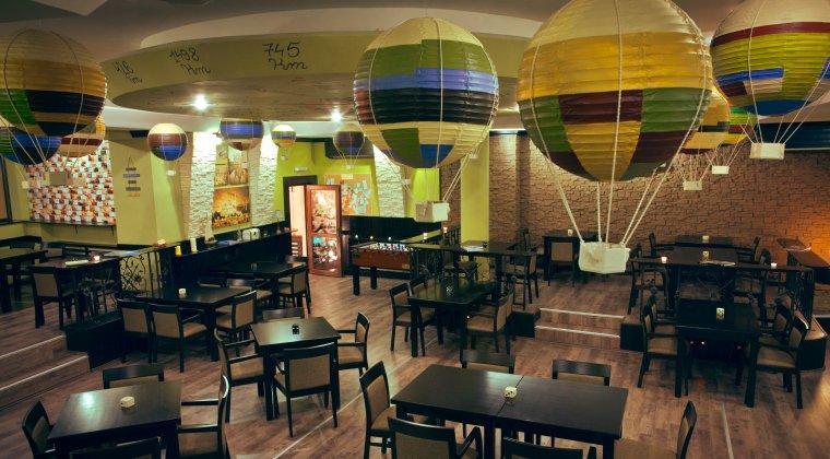 """Un tanar face 1,6 mil. euro cu un restaurant in care poti sa """"gusti"""" zeci de destinatii"""