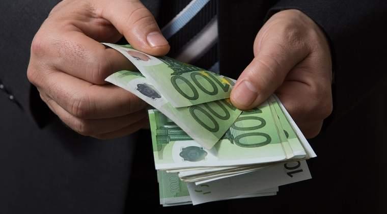 ING Bank: Salariile au crescut in ultimul an cu 24% la stat si cu 12% in sectorul privat