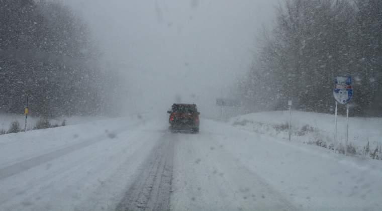 Se circula in conditii de iarna pe Transfagarasan si Transalpina. Traficul rutier este restrictionat noaptea