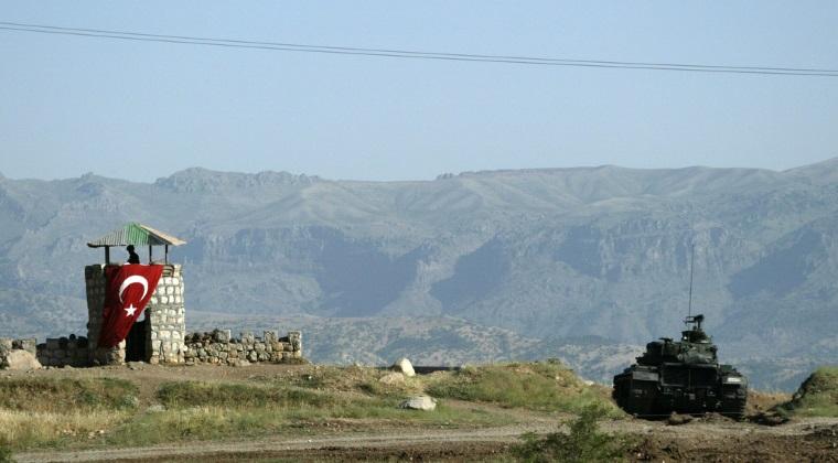 Atentat in Turcia: noua militari au fost ucisi si peste 20 au fost raniti