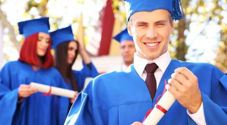 Zece universitati din Romania cer salarizare unitara dupa performanta si nu exclusiv dupa functie