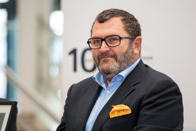 Michael Schmidt, fondatorul Automobile Bavaria, vrea in portofoliu o marca germana de volum si sa construiasca hoteluri de 4*+, in Bucuresti si Sibiu