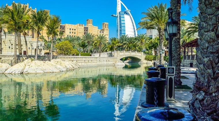 Top cinci recomandari de cazare extravagante in Dubai: o noapte costa cat doua Dacia Duster