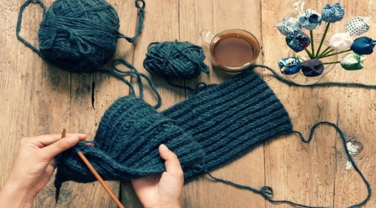 Impletitoarele de povesti, sau cum sa faci bani din tricotaje