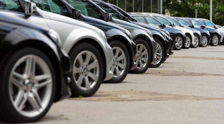 Romanii au inmatriculat in 2016 aproape 300.000 de masini second-hand si 94.919 autoturisme noi