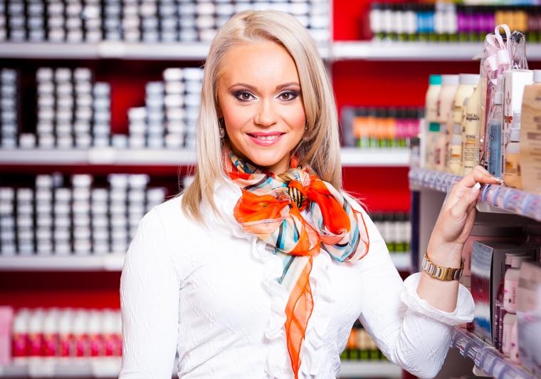 """Companii - A """"crescut"""" o afacere cu produse profesionale pentru par in valoare de patru milioane de euro"""
