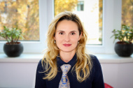 Cum isi construieste Ema Diea o cariera in sistemul medical vienez, dupa 10 ani de banking
