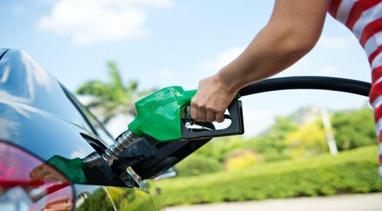 De ce sunt carburantii scumpi in Romania: barierele birocratice limiteaza intrarea in piata a unor noi jucatori