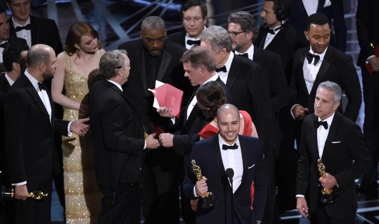 Marketing-PR - Radiografia unui fiasco: Moonlight castiga cel mai bun film la Premiile Oscar 2017, dupa ce La La Land fusese declarat triumfator. Gafa uriasa sau strategie?