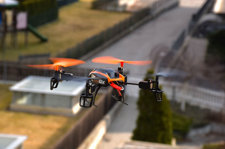 Cererea de drone, bratari fit sau roboti a crescut cu 150% in 2016