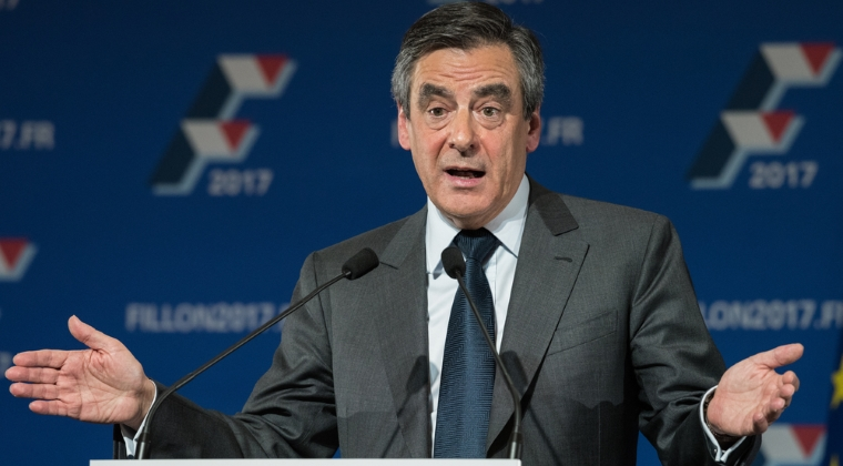 "Francois Fillon, candidatul dreptei la presedintia din Franta, isi anuleaza aparitii in presa. Sotia sa vrea ca el ""sa mearga pana la capat"""