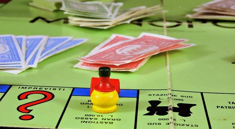 Jocul Monopoly ramane fara degetar, roaba si gheata: de ce vor fi eliminate