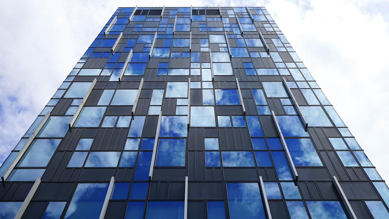 """Real-Estate - Birourile viitorului: de la turnuri clasice, la ansambluri de proiecte mixte. Este acesta inceputul ,,occidentalizarii"""" Romaniei?"""
