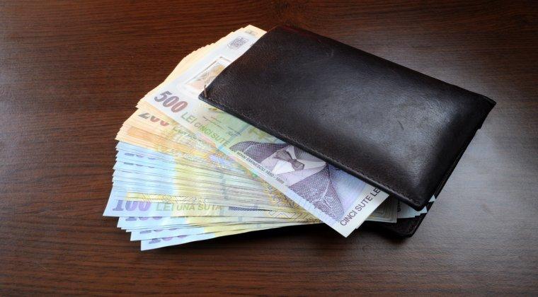 Proiect de lege: un angajator care formeaza un ucenic va primi pe toata perioada calificarii 250 de euro lunar