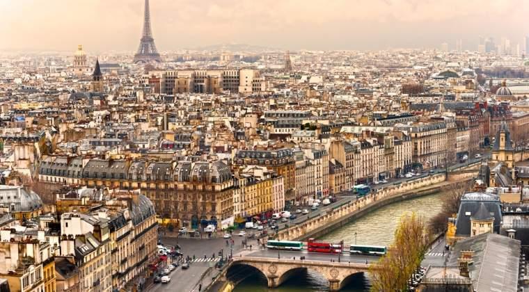 Cel putin 19 persoane au fost ranite intr-o explozie la un carnaval din Paris