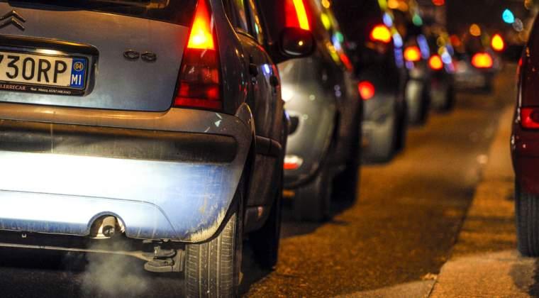 Veste proasta pentru soferi: Primariile vor cere bani pentru stickere auto din toamna