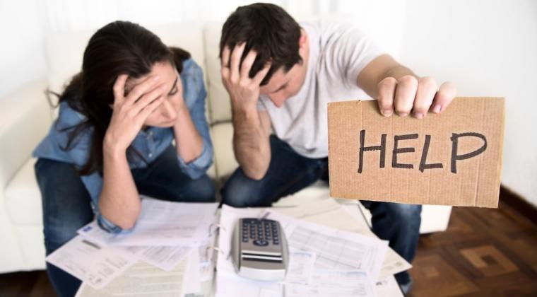 BNR: Restantele la creditele bancare, in crestere usoara, desi la persoane fizice sumele au scazut