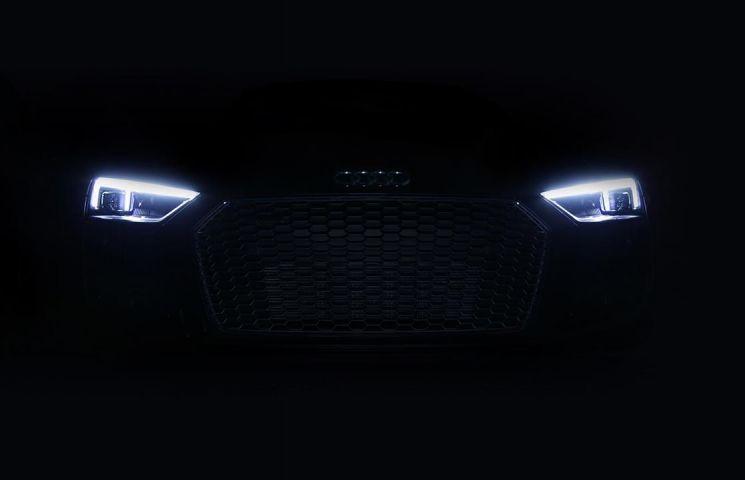 Noul Audi R8 vine echipat standard cu faruri cu tehnologie laser