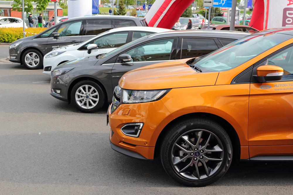 schimbari-in-piata-auto-romanii-au-dat-volkswagen-skoda-si-renault-pe-ford