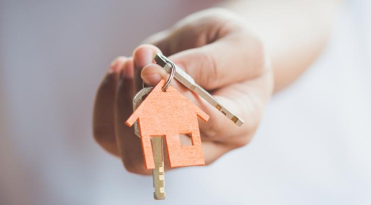 De cati ani ai nevoie pentru a cumpara un apartament cu doua camere in Capitala