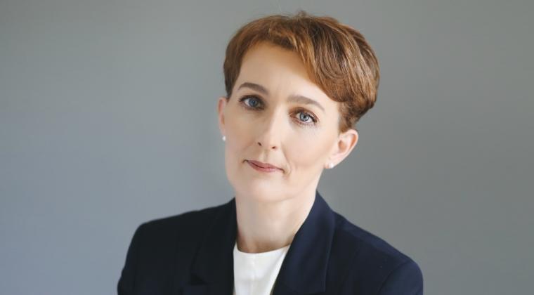 Educatie-bursiera - UNSAR o numeste pe Sorana Mantho in functia de director general