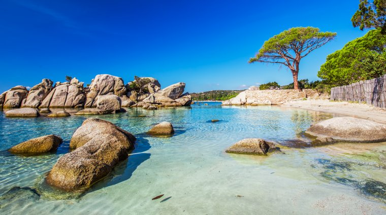Nu ai bani de vacante exotice? 7 destinatii de plaja in Europa in care descoperi paradisul