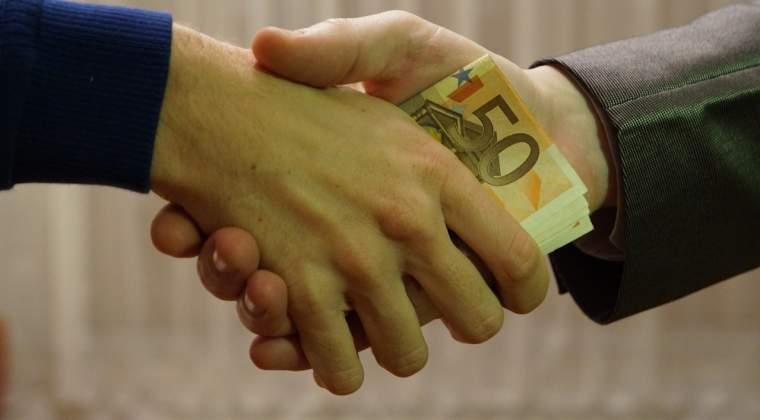 Gratierea pentru mita si trafic de influenta, respinsa in Comisia juridica