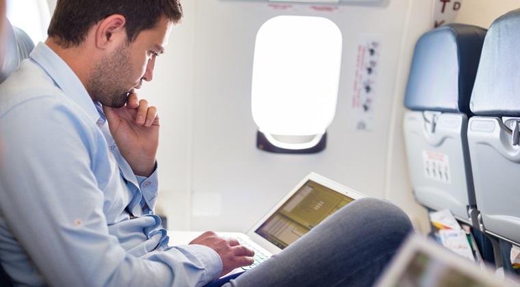 Turkish Airlines le ofera laptopuri pasagerilor de la clasa business, dupa interdictiile impuse de SUA si Marea Britanie
