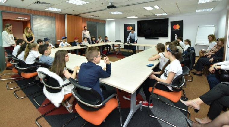 Olimpiada Micilor Bancheri: Peste 3.500 de elevi au participat la cea de-a patra editie