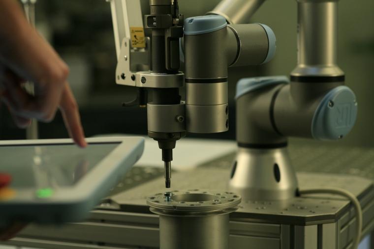Industria romaneasca are nevoie de 10.000 de roboti industriali pentru a ramane competitiva