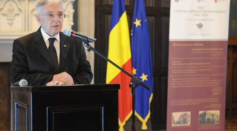 Mugur Isarescu: Invit bancile comerciale din Romania sa isi mareasca prezenta si activitatea in sistemul bancar din Republica Moldova