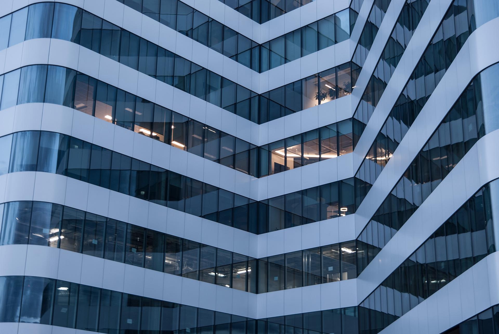 Real-Estate - ESOP: Zona birourilor din centru-nord castiga teren, iar centru-vest se dezvolta vazand cu ochii. Topul chiriilor din Capitala