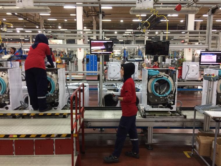 IT-C-Tehnologie - Fabrica gigant, cat zeci de terenuri de fotbal: Aici sunt electrocasnicele dumneavoastra