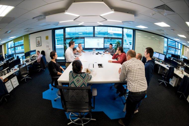 Global Technology lanseaza DB Tech School si pregateste o noua generatie de specialisti software romani