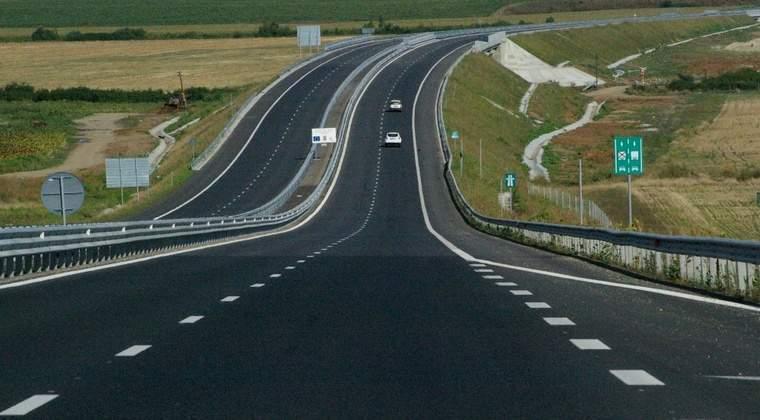 CNAIR a lansat licitatia pentru cele doua capete ale autostrazii Pitesti-Sibiu, cu o valoare estimata la 560 milioane euro