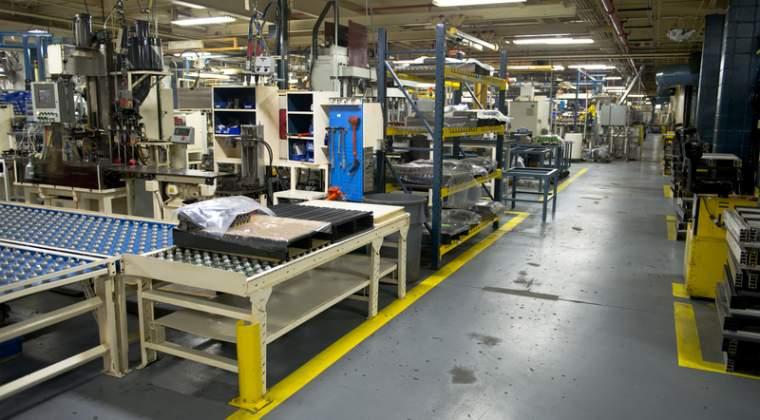 INS: Industria a cerscut, in mai, cu un ritm anual de 17,3%, cel mai ridicat din ultimii patru ani